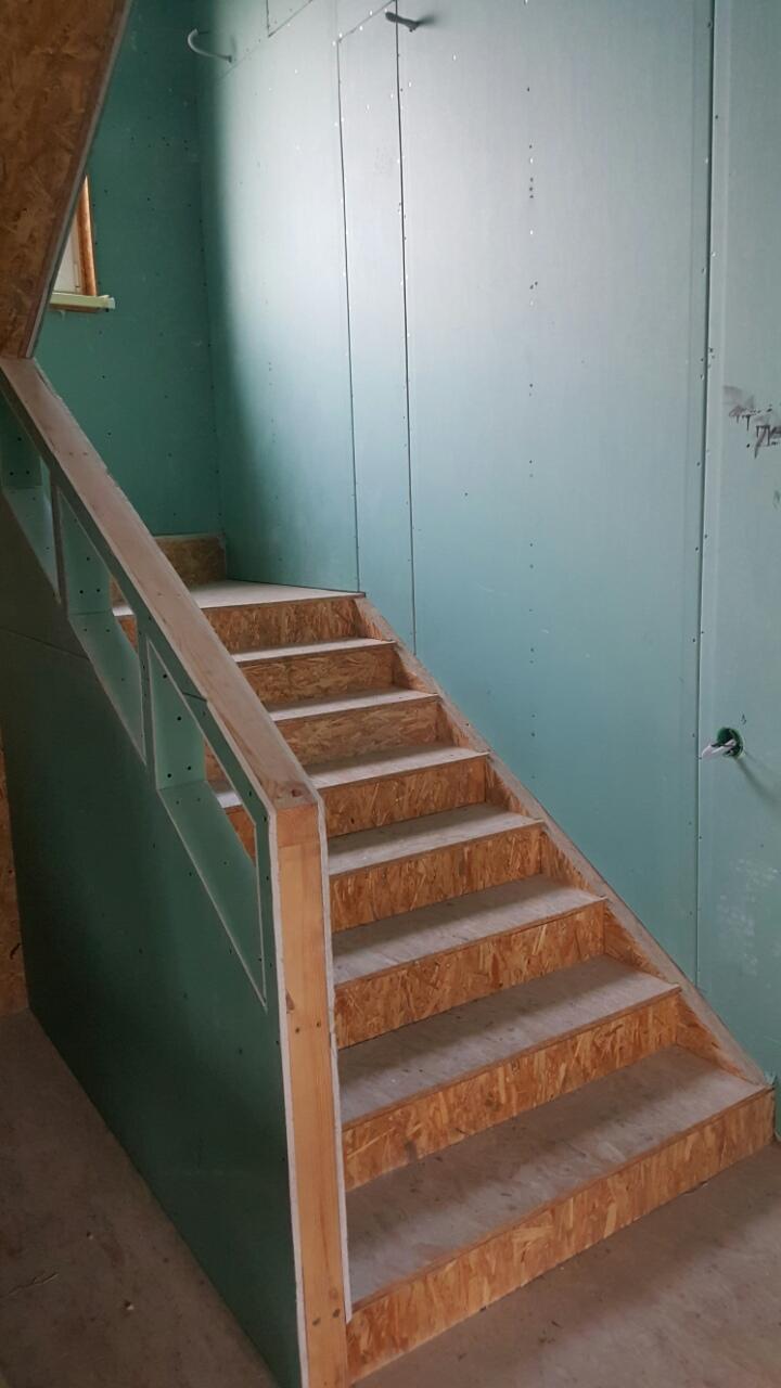 лестница в каркасном доме